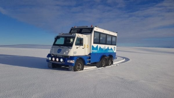 Glacier vehicle on Langjökull glacier